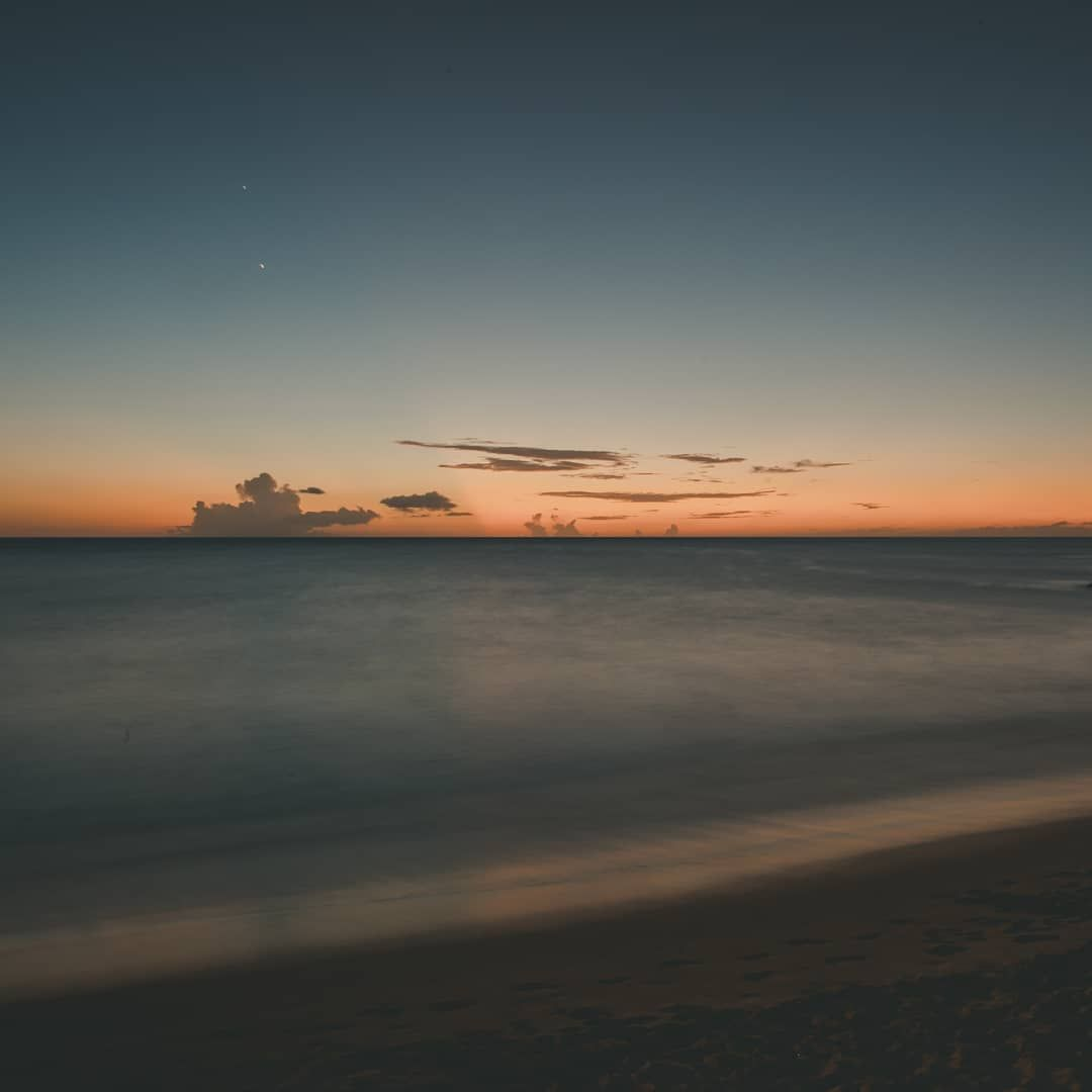 Longer exposure of the sunset in Waianae  _________
