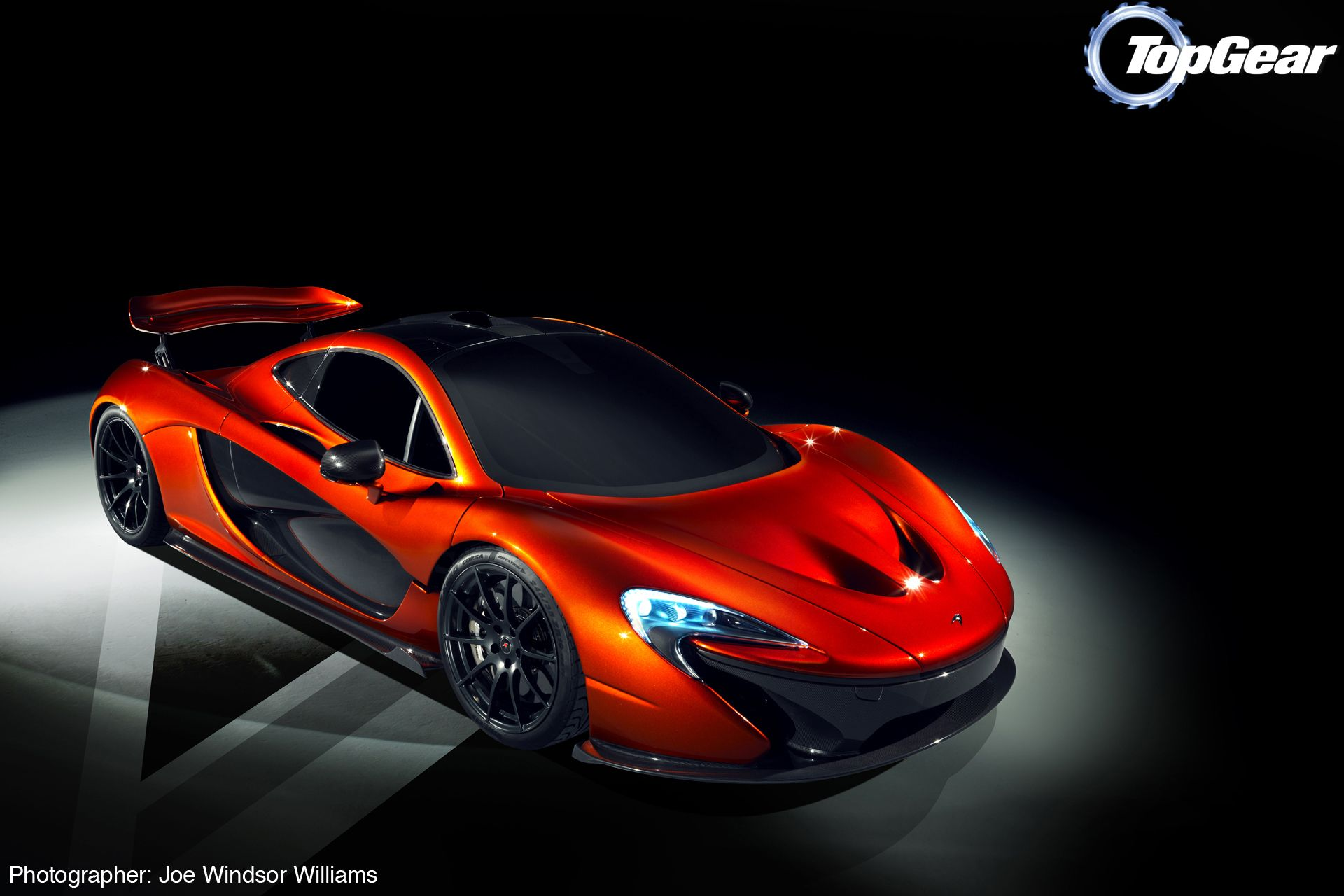 This Week S Wallpapers Mclaren P1 Hi Res Wallpapers From Our Exclusive Shoot With The Awesome Mclaren P1 Photographe Sports Car Super Cars Mclaren P1