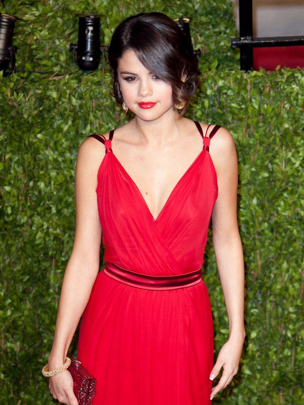 My Celebrity Style Inspiration: Selena Gomez | A Journey to a New ...