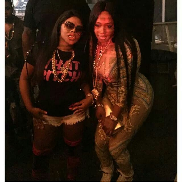 ce8acd2fb4b3d Nikki Minaj takes obsession to a whole new level