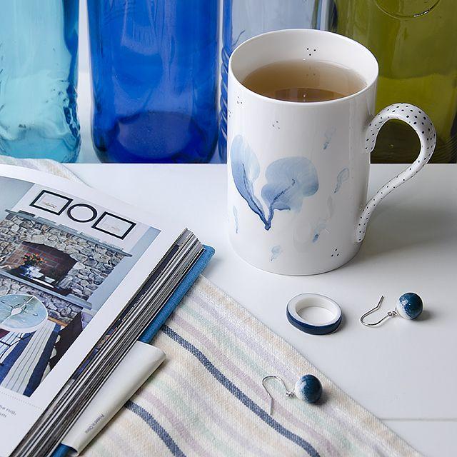 Hand painted porcelain mug and porcelain jewelry by OLGA KABIE @OLGA KABIE #bonechina #olgakabie #mug #blue #ocean #gift #porcelain #sea