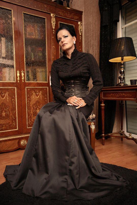 Elegant and cool and aloof. Helen. | Leidenschaften ...