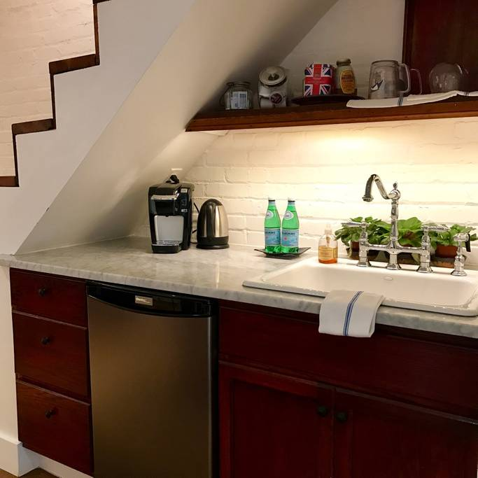 Under Stairs Wet Bar (With Images)