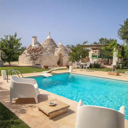 Amazing villas in Puglia, authentic trulli, exclusive Puglia villas for rent and more. Handpicked by Aria of Puglia for a premium, personalised experience.