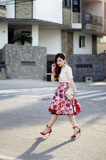 a8dbd91e021 Get this look  http   lb.nu look 8329281 More looks by Leticia Oliveira   http   lb.nu blogdale Items in this look  Enncante Skirt  chic  elegant   romantic ...