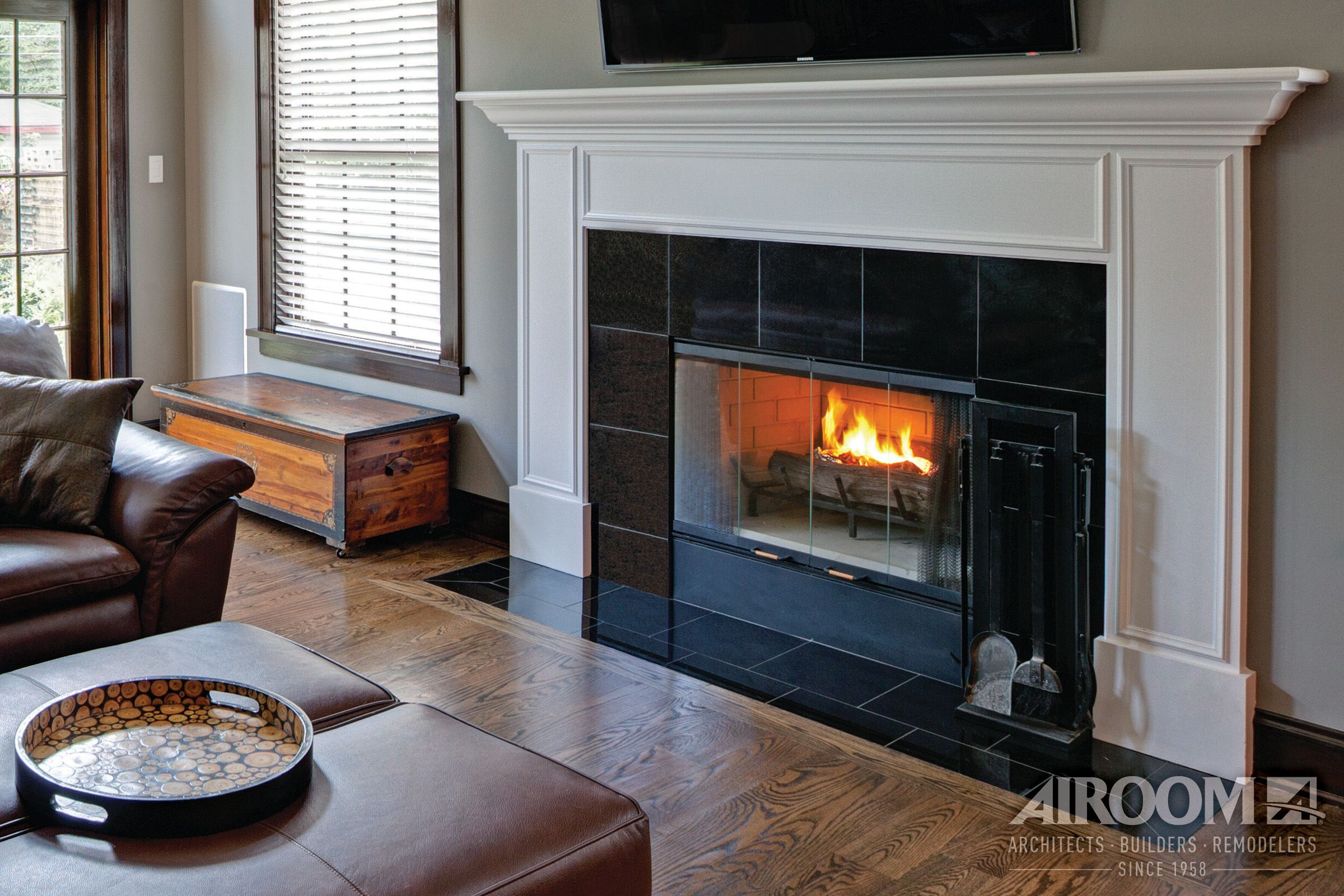 A Highland Park, Il Living Room Uses Gleaming Black Granite