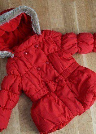 Rote winterjacke madchen