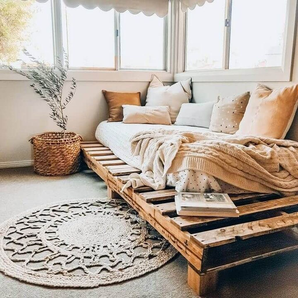 34 Charming Pallet Decor Ideas For Your Interior Design in