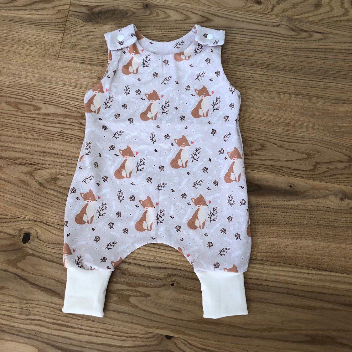 Baby Strampler Mitwachsend Fuchs Beige 50 56 62 Etsy Baby Strampler Strampler Babymode