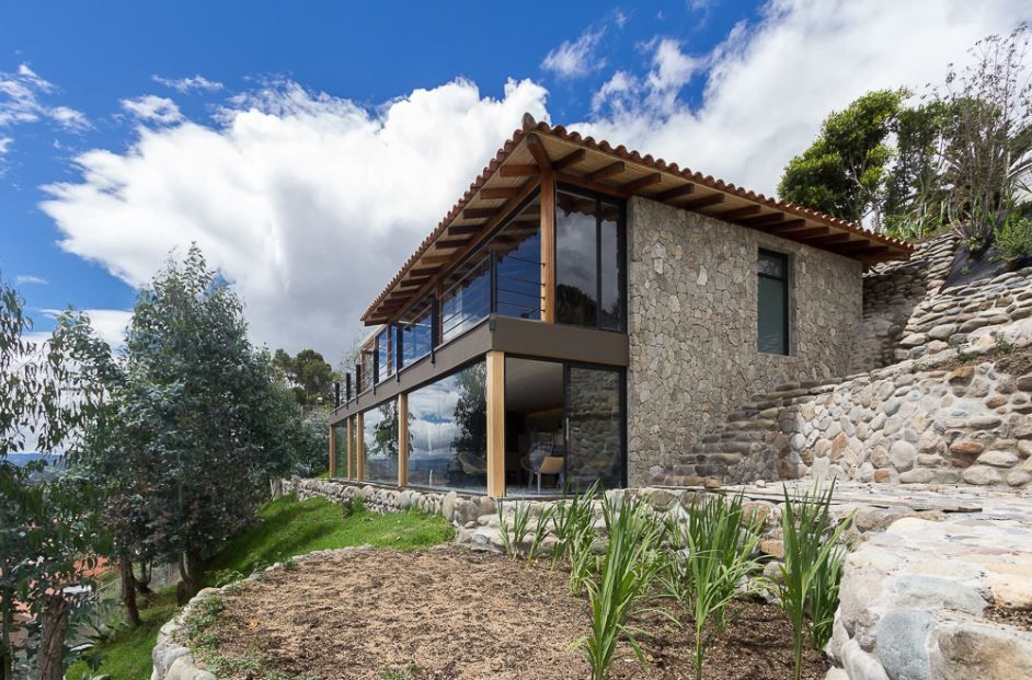 Casa de campo en pendiente cottage style pinterest for Case modulari in stile bungalow