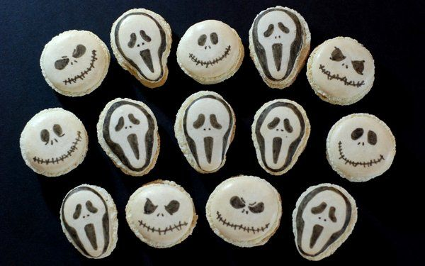 Halloween macarons – Scream versus Jack Skellington