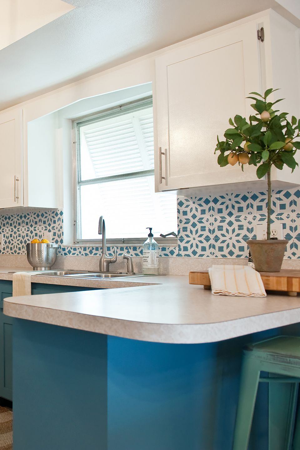 5 Low-Cost Ideas for a Kitchen Remodel on a Budget in 2020 ...
