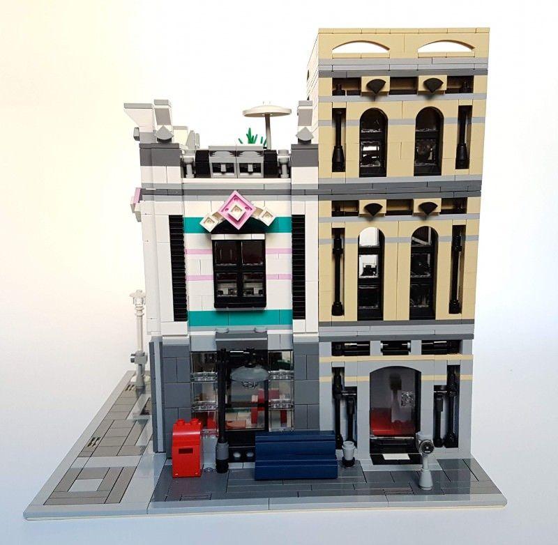 Internet Café (10260 Downtown Diner Alternate Model Modular) | Lego