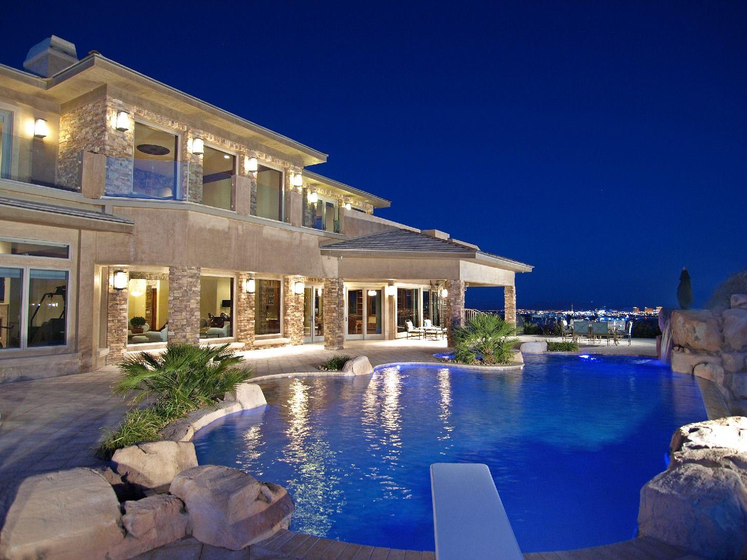 Las vegas mansion the ridges luxury homes 31 hawk for Luxury mansion builders