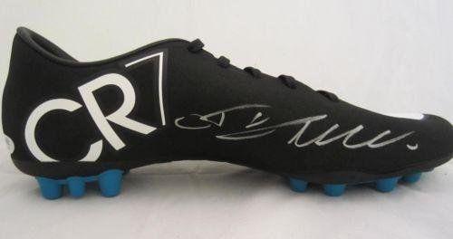 f1d19325aea1 Cristiano Ronaldo Signed Nike Cleat Ball Itp Cr7 - PSA DNA ...
