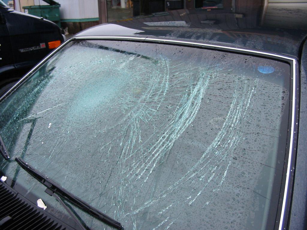 Cracked Windshields Windshield Repair Cracked Windshield Repair Auto Glass