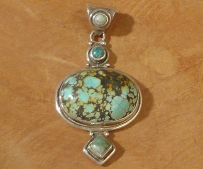 Pendant with bluegreen/brown Turquoise