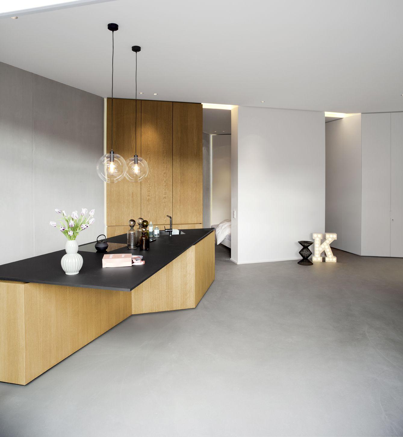 berlin apartment pied  terre beton boden grau eiche