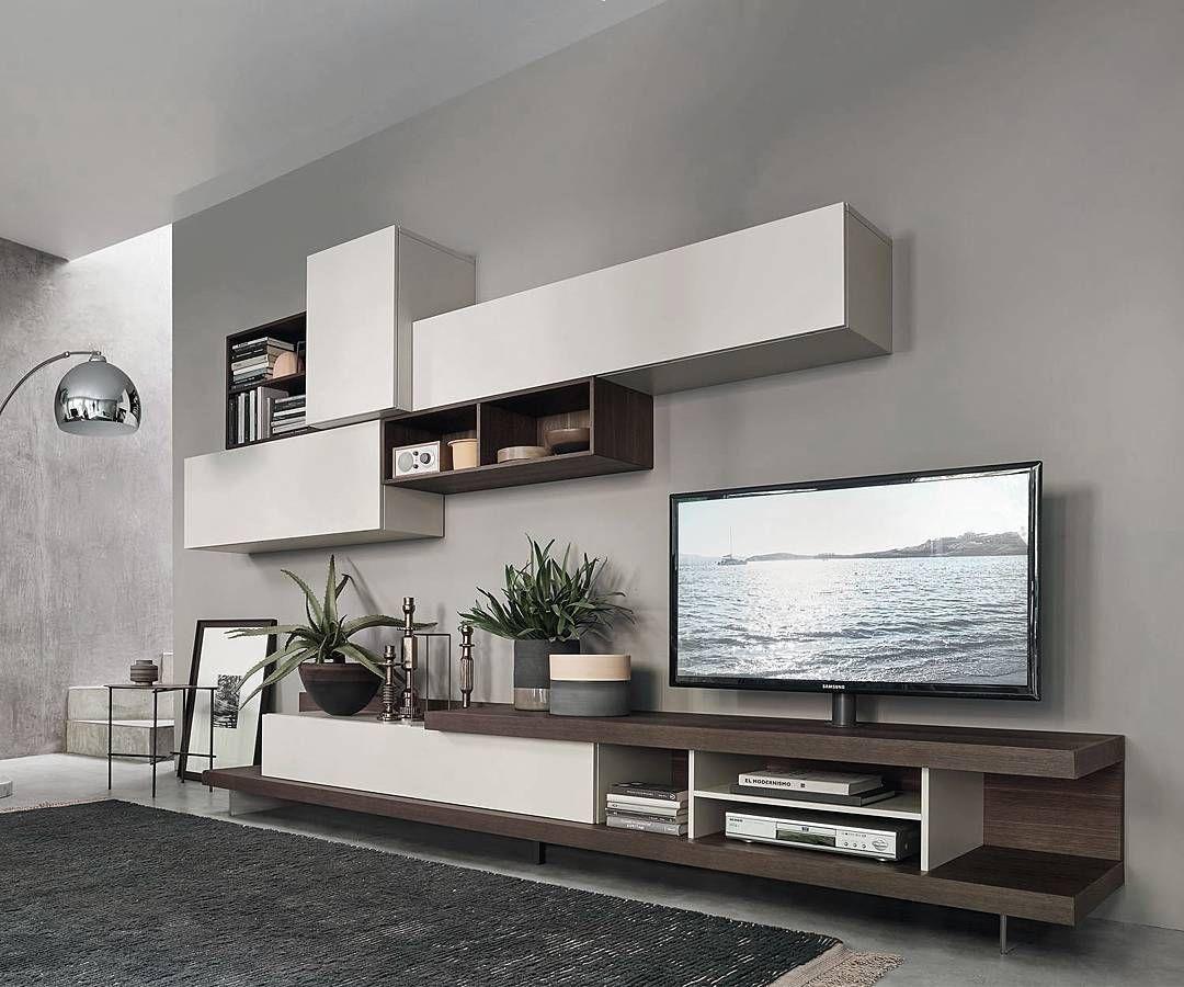 Eine besondere Wohnwand ist die C52 von Livitalia aus Italien mit ...