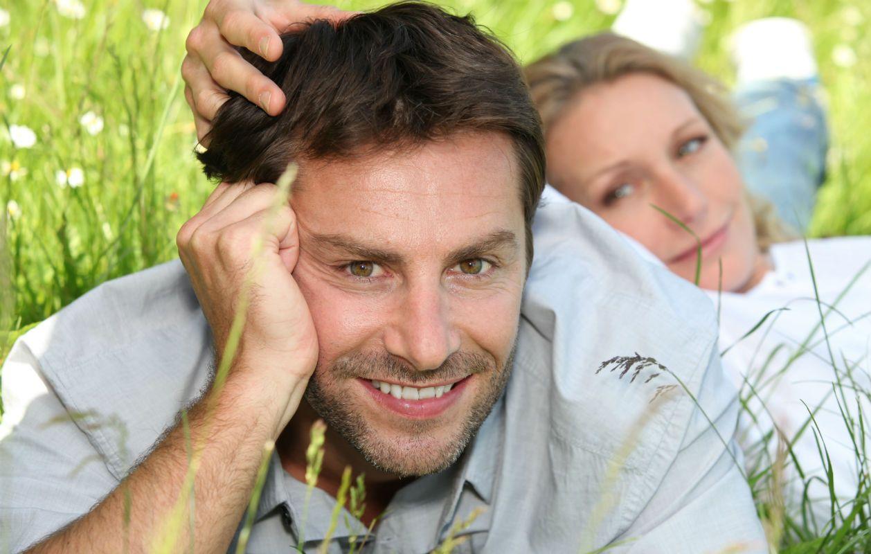 Miten flirttailla miehen kanssa online dating