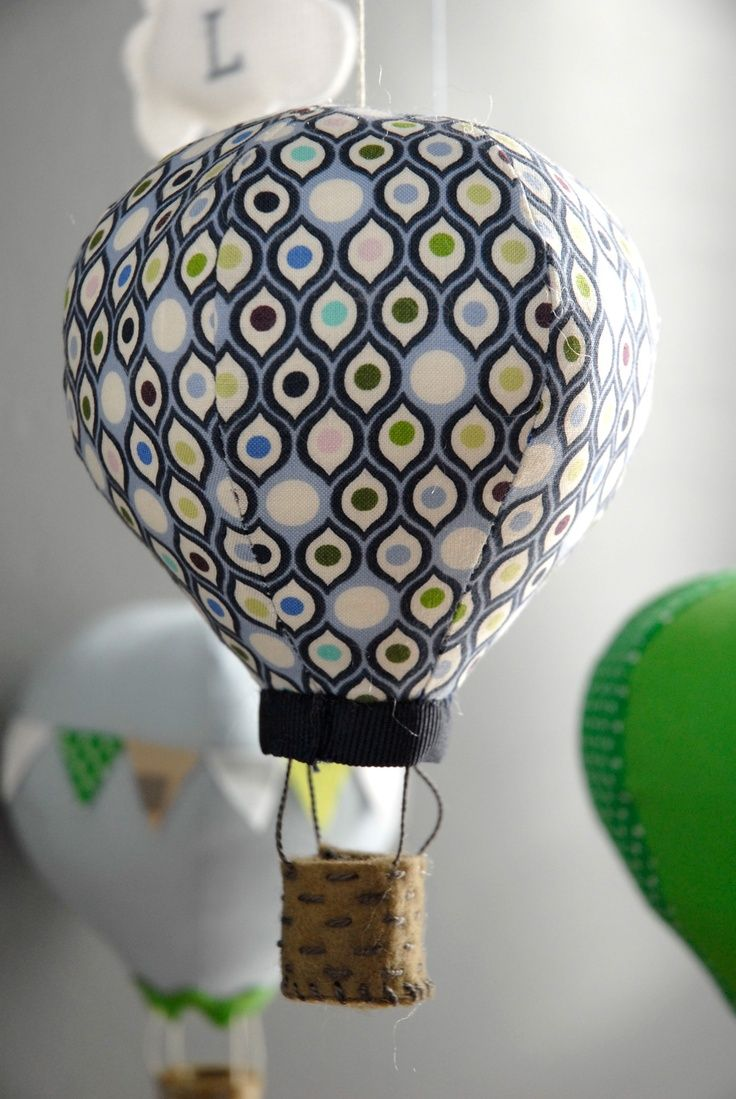 montgolfière mobile Diy hot air balloons, Baby diy