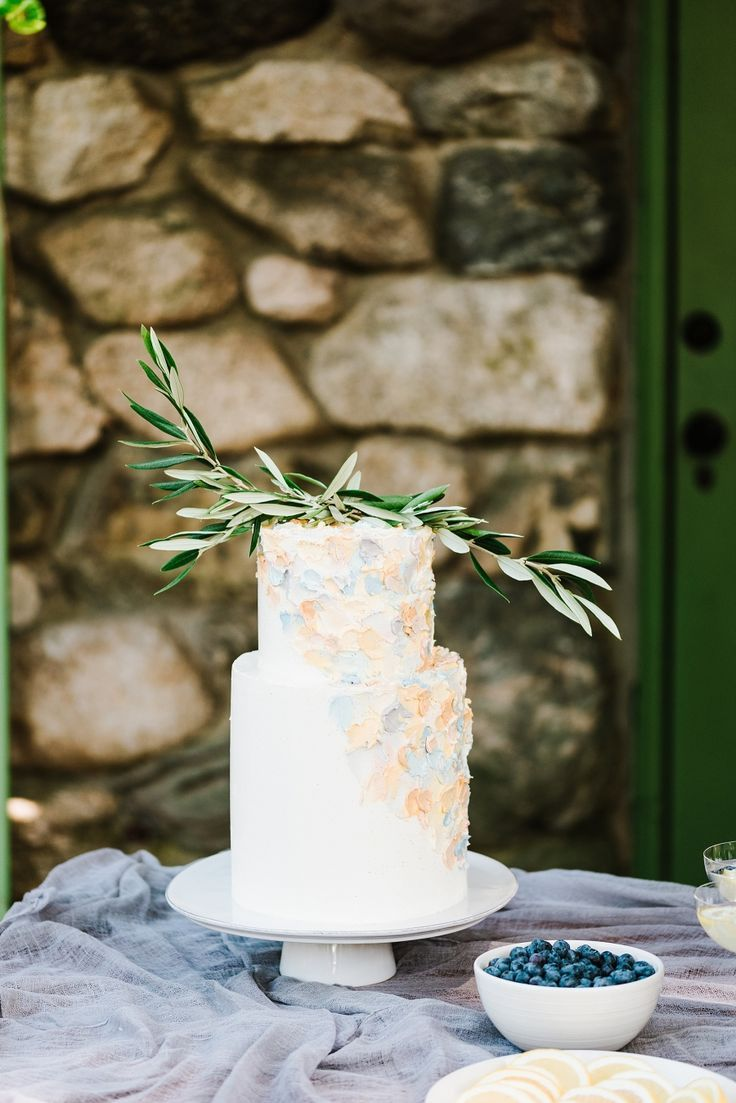 An anthropologie shopping bag inspired this entire shoot wedding