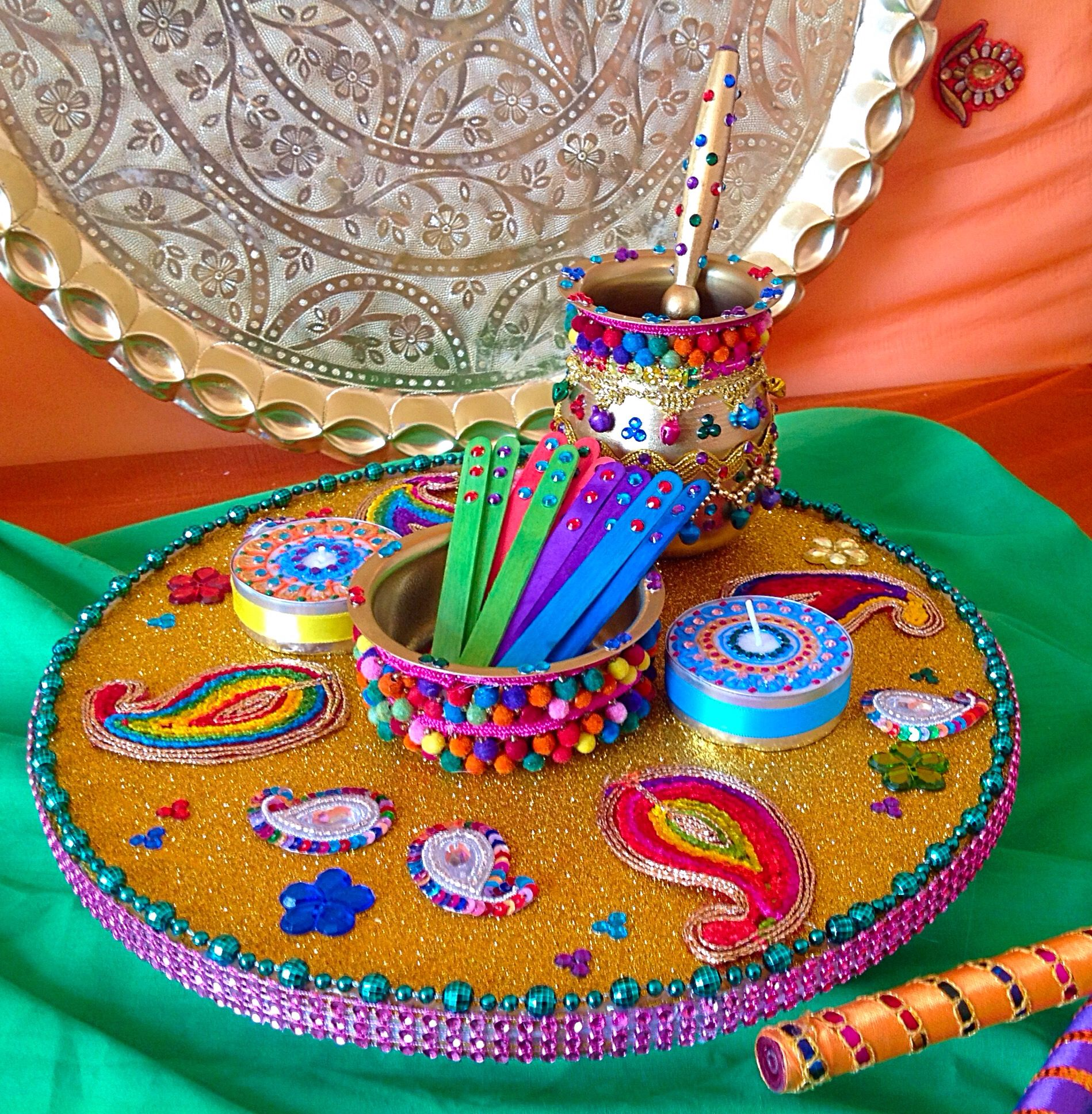 Mehndi Thaal Decoration Facebook : Multi coloured mehndi plate with oil and pots see