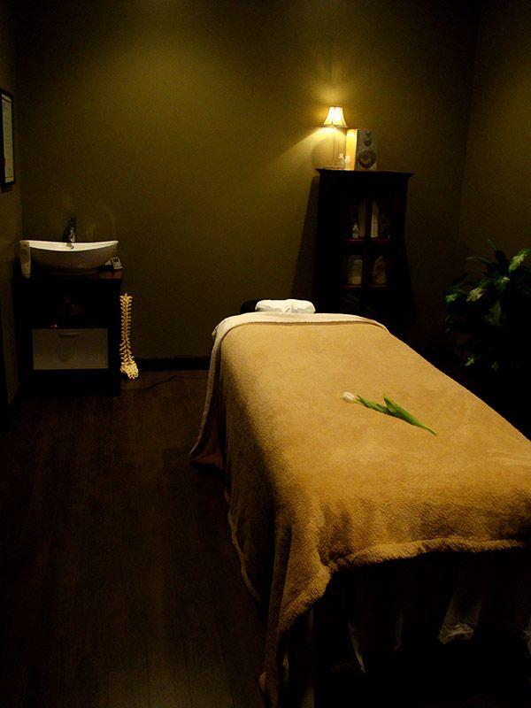 Megadildo nong thai massage