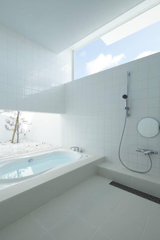 small bathroom designs. EASTERN Design Office の モダンな スパ Mountain \u0026 Opening Small Bathroom Designs