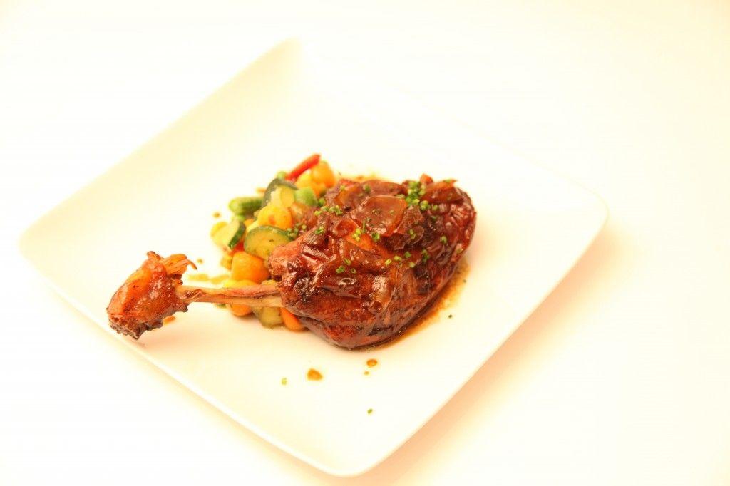 Cuisse de canard au miel et sauce soja. Préparation : 5 min Cuisson : 120 min l Recette plat Douce France