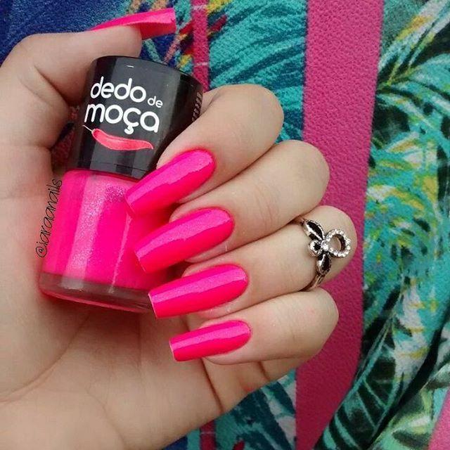 """Bom dia   Esmalte ➡ Laila @lojasdedodemoca  Acesse   Www.lojasdedodemoca.com.br  #dedodemoca  #unhasdasemana #unhasfeminina #nailsinstagram #nails…"""