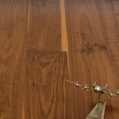 Character Walnut 5 Inch Plank Flooring Unfinished Solid 3 99 Walnut Floors Solid Walnut Solid Hardwood Floors