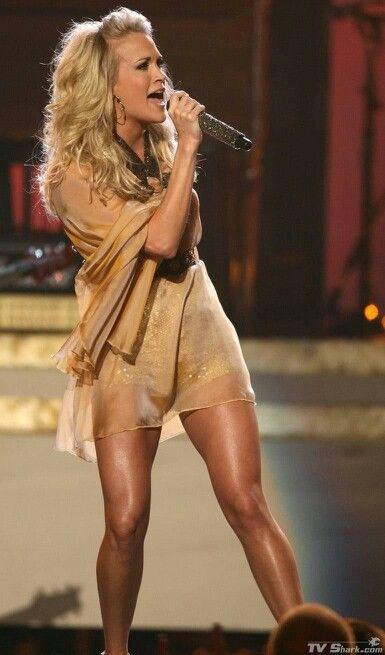 /¥ Carrie Underwood