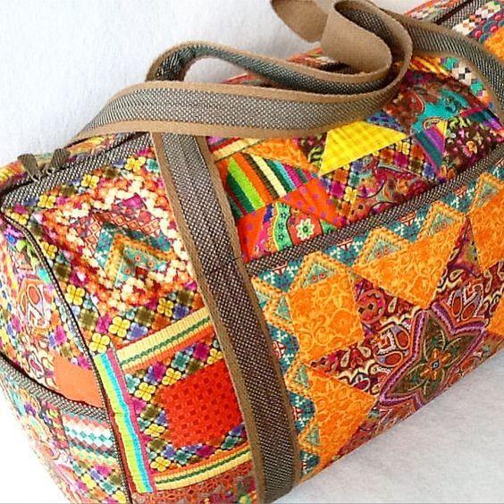 950be4054 mala feita em patchwork com tecidos Renata Blanco loja online de tecidos  tricoline para artesanato