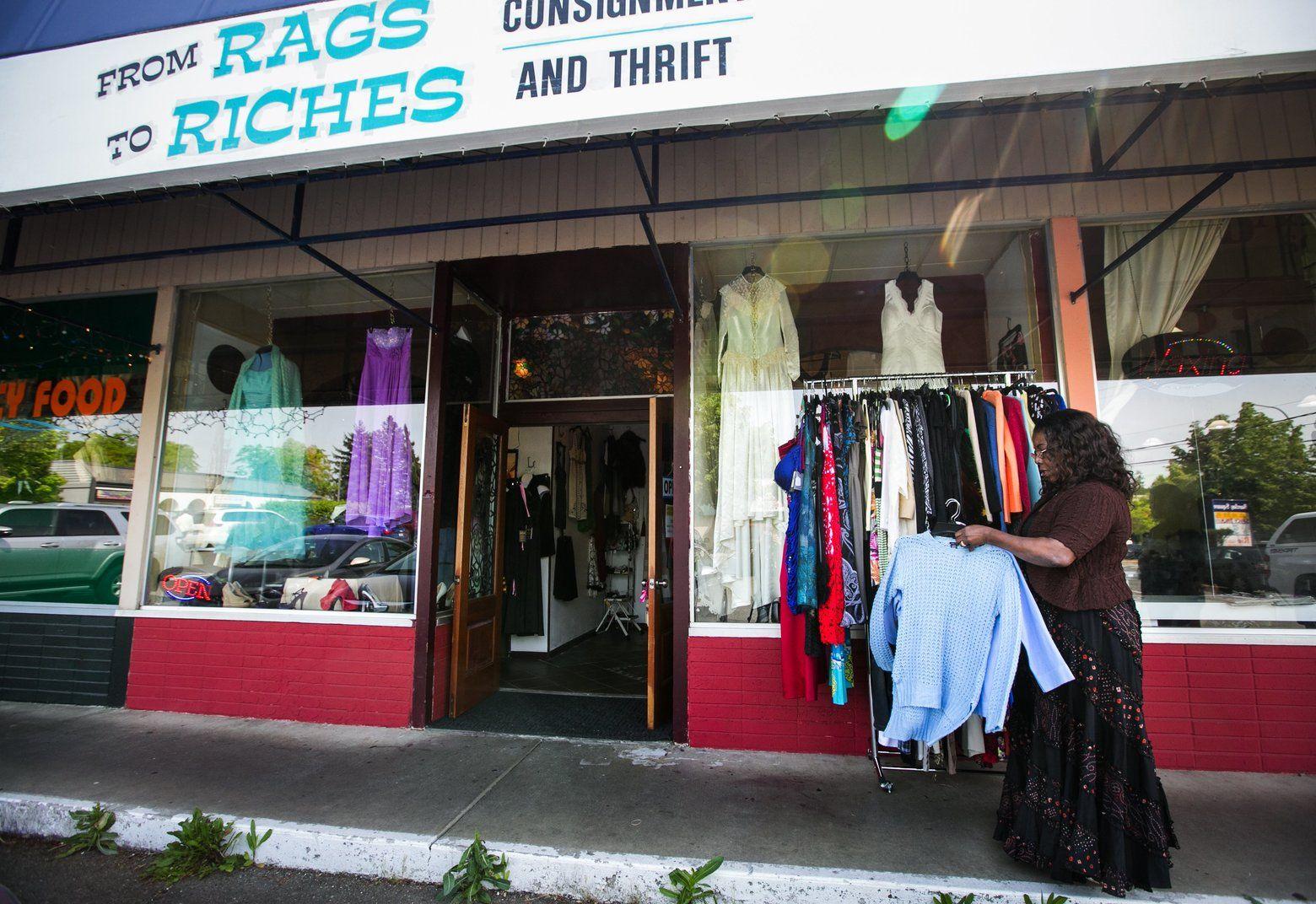Seattle Map Redmond%0A Black owner to sell Redmond shop burn KKK robe left there