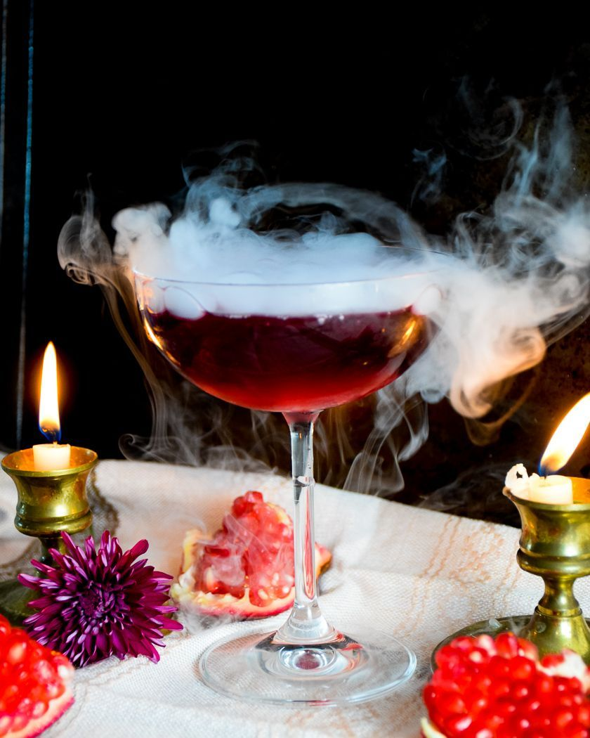 How To Use Dry Ice In Cocktails Natalie Paramore Cocktails Natalie Paramore Halloweencock Dry Ice Cocktails Dry Ice Drinks Halloween Cocktail Recipes