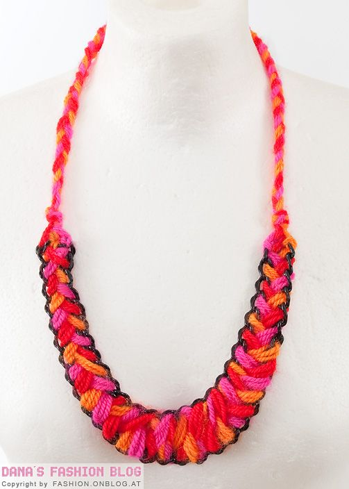 Fashion DIY Tutorial: Wool Necklace in Ethnic Look