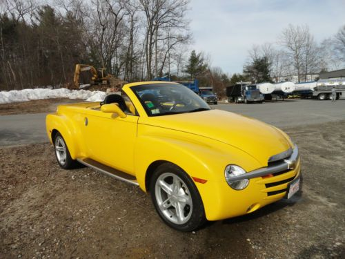 Chevrolet Ssr Two Doors Convertible Tonneau Cover Chevrolet