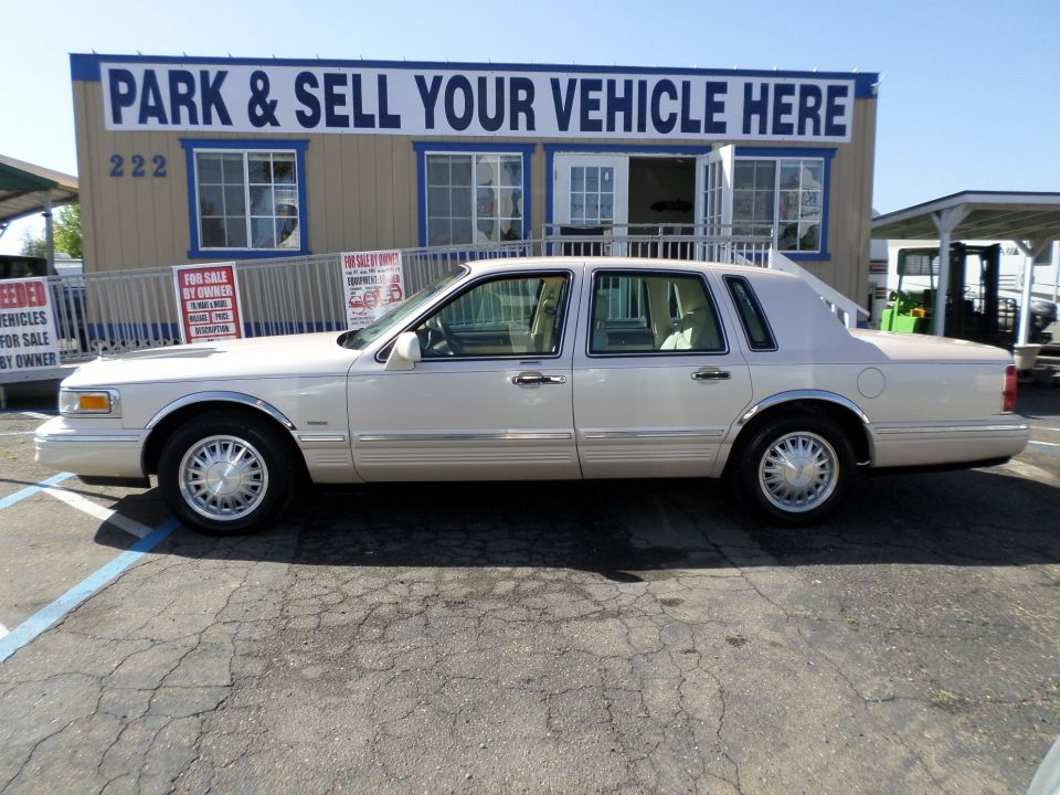 1997 Lincoln Town Car Cars Cars Cars For Sale Lincoln Town Car