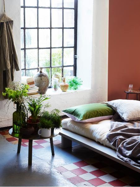 cama baixa - piso retrô