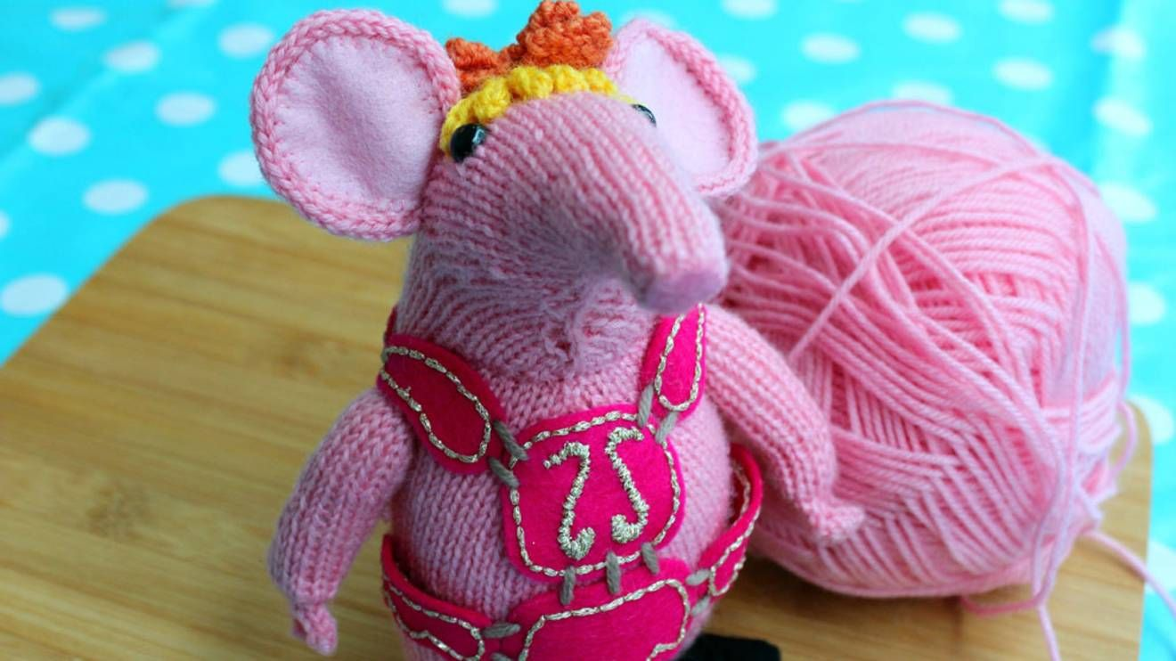 Knit your own Clanger - CBeebies - BBC | Clangers Knitting Pattern ...