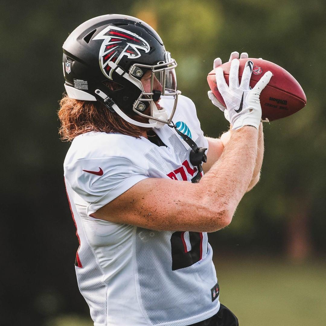 Atlanta Falcons Hayden Hurst Is Turning Heads With Catches Like These In 2020 Atlanta Falcons Atlanta Falcons Wallpaper Atlanta