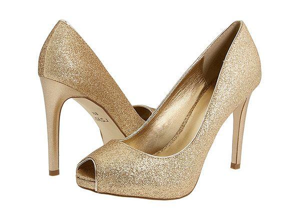 zapatos en color oro, todo un must entre las novias