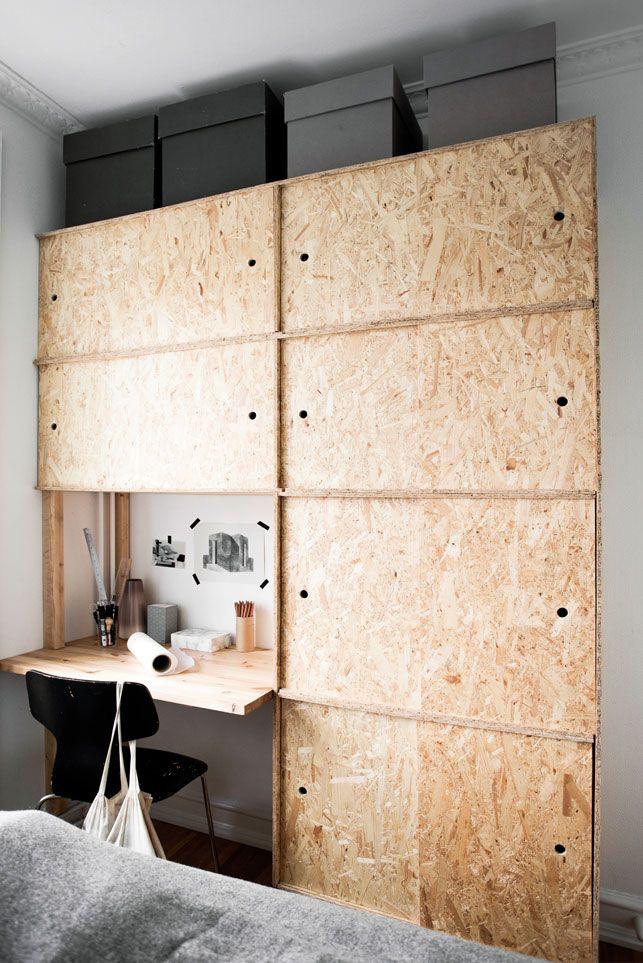 klædeskab med skydelåger klædeskab med skydelåger og indbygget skrivebordsplads af OSB  klædeskab med skydelåger