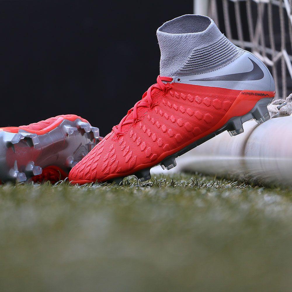 Botas de fútbol  Nike  Hypervenom  Phantom III Elite DF FG Foto  Marcela  Sansalvador para futbolmania.com e2f6776ad6a83
