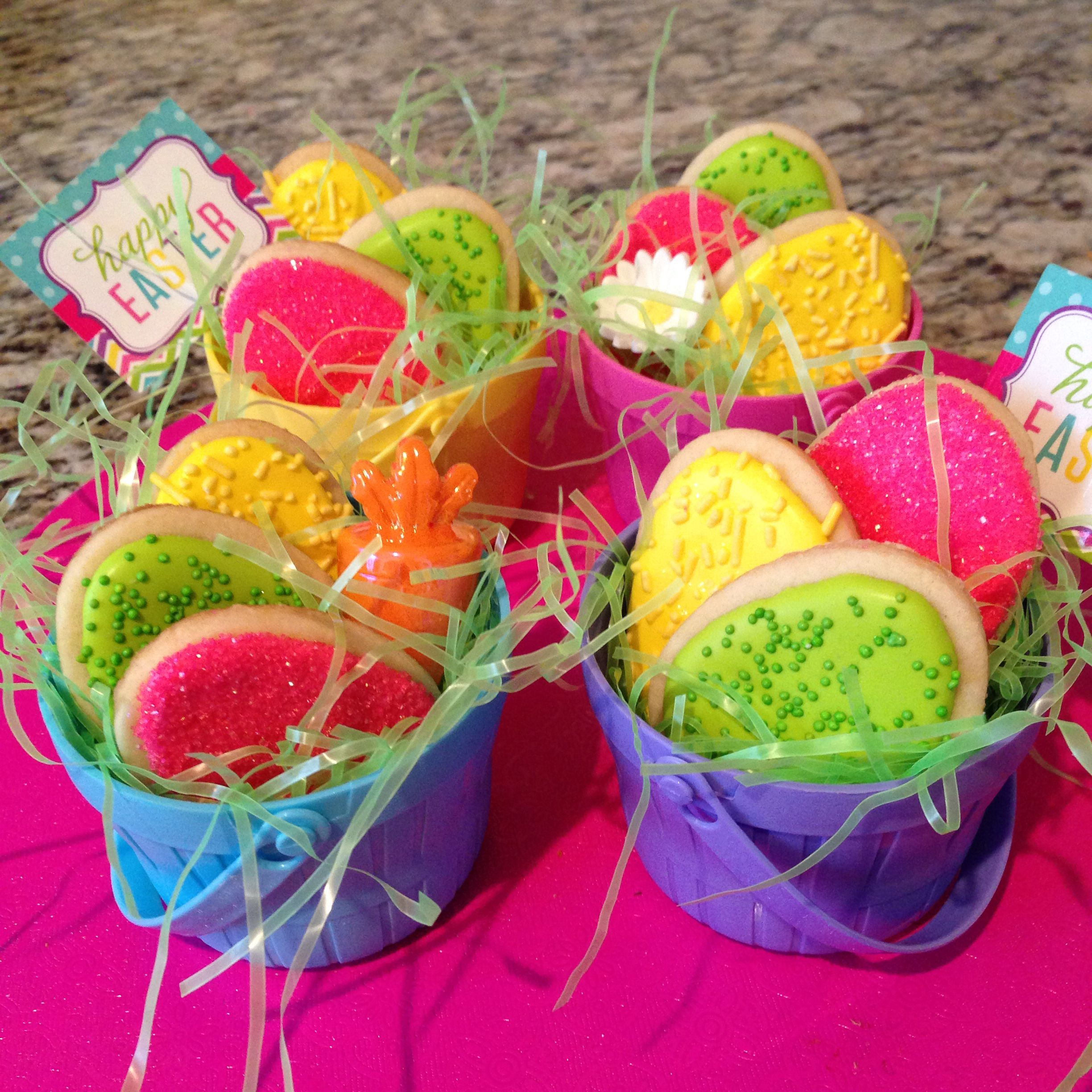 Easter egg sugar cookies in baskets.. (With images ...