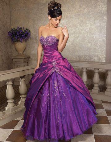 Hermoso vestido Violeta.