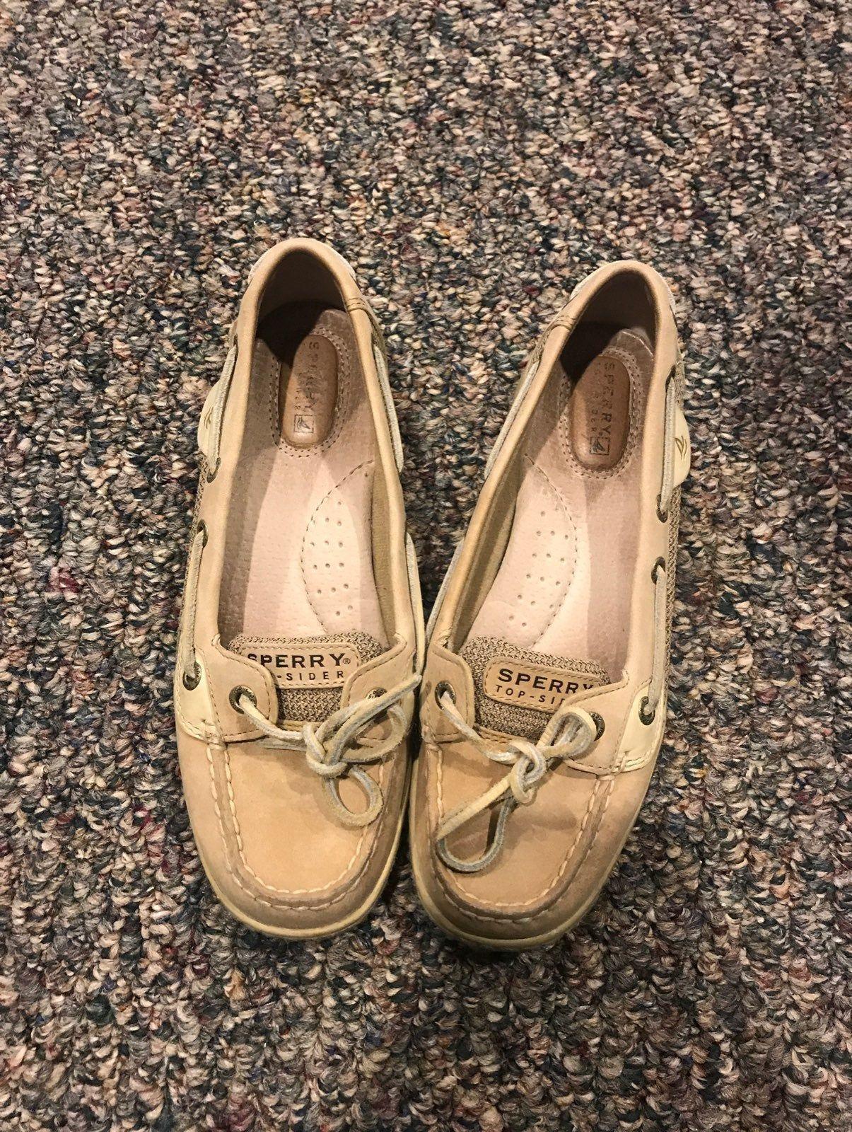 Khaki color sperry boat shoes. Super