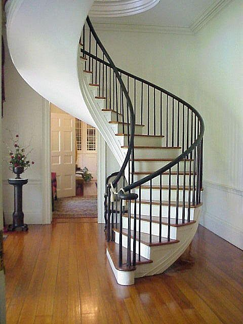 Best 007 The Famous Spiral Staircase In The Foyer At Auburn 400 x 300