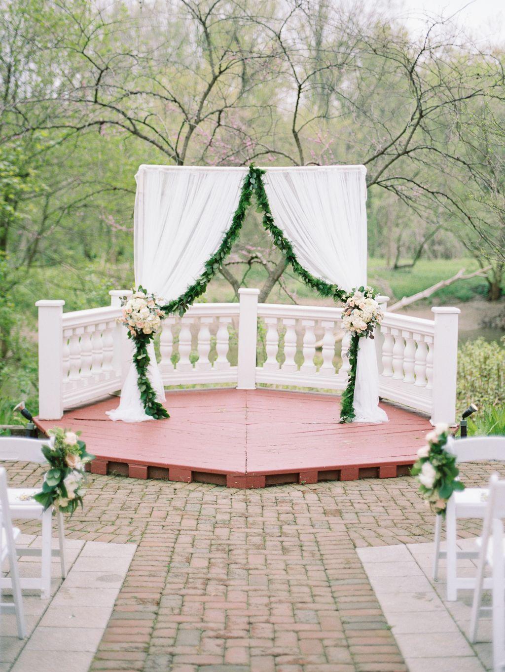 Weddings At The Elkridge Furnace Inn Maryland Wedding Venues Ceremony Backdrop Elkridge